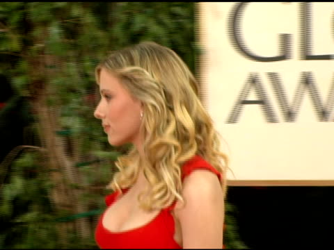 scarlett johansson at the 2006 golden globe awards arrivals at the beverly hilton in beverly hills california on january 16 2006 - golden globe awards stock videos & royalty-free footage