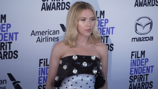 scarlett johansson at the 2020 film independent spirit awards on february 08 2020 in santa monica california - film independent spirit awards stock videos & royalty-free footage