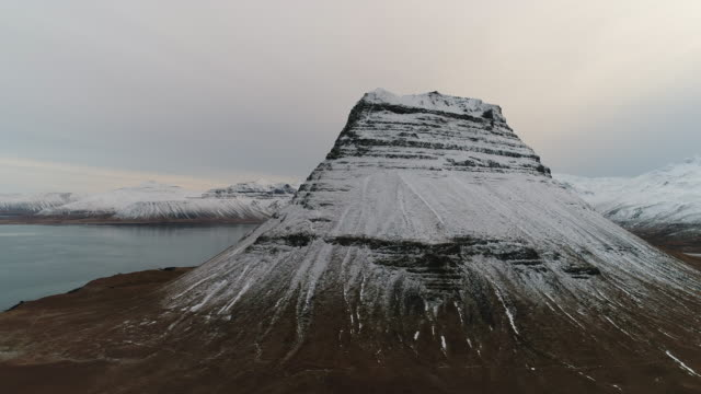 scenery of kirkjufell (church mountain) - natural landmark stock videos & royalty-free footage