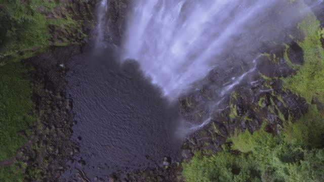 scenery of materuni waterfall, tanzania, east africa - mt kilimanjaro stock videos & royalty-free footage