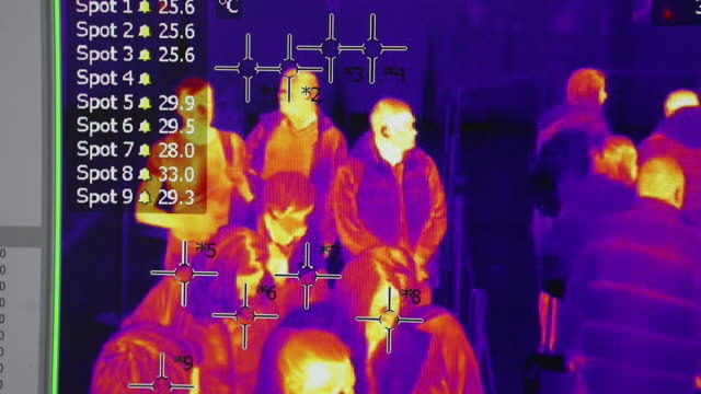 "vidéos et rushes de scenes from belgrade ""nikola tesla"" airport where passengers are scanned for temperature exam, belgrade, vojvodina, serbia,on monday, march 2, 2020. - température"