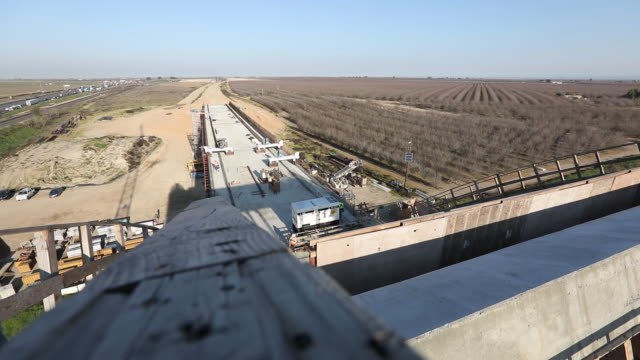 vidéos et rushes de scenes from construction site where california high speed rail is build fresno california usa on thursday february 13 2020 - fresno