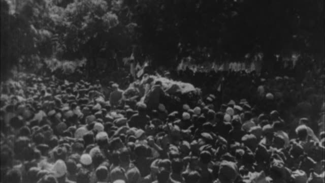 stockvideo's en b-roll-footage met scenes from gandhi's funeral / india - mahatma gandhi