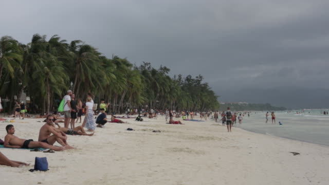 vídeos y material grabado en eventos de stock de scenes from tourist resort facing tourism crisis caused by global coronavirus disease. southeast asia's heavy reliance on china for trade and... - boracay filipinas