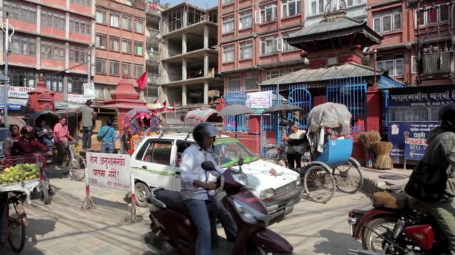 scenes of kathmandu and mount everest, nepal - fahrradtaxi stock-videos und b-roll-filmmaterial