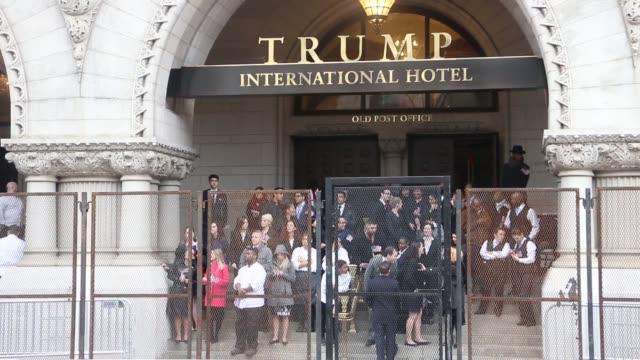 scenes on street of donald trump inauguration - amtseinführung stock-videos und b-roll-filmmaterial