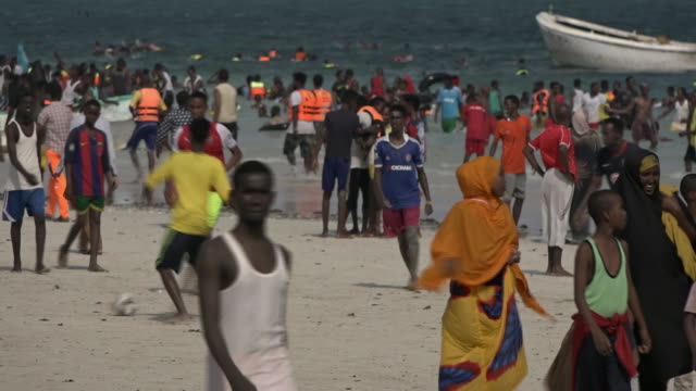 scenes on the beach of mogadishu somalia - indian ocean stock videos & royalty-free footage