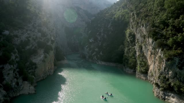 scenic high angle view of  people kayaking in verdon gorge in provence - cote d'azur stock videos & royalty-free footage