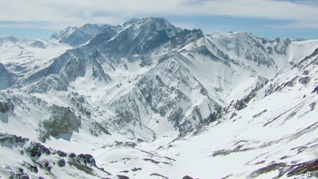 vídeos de stock, filmes e b-roll de scenic landscape in snowy andes mountains - mountain range