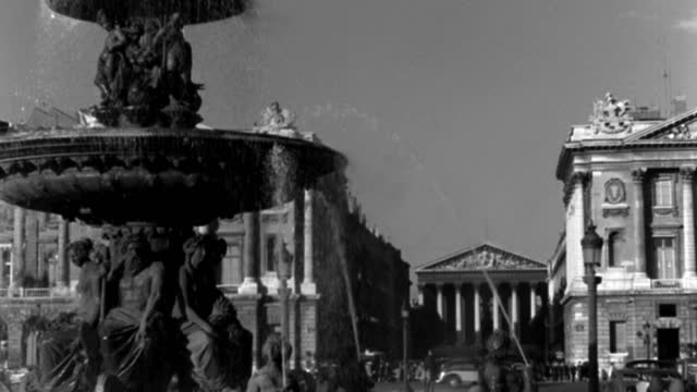 dx - scenic paris landmarks - the place de la concorde - c.s. through spray of fountain - the ministry building and hotel crillon beyond - b&w. - 1935 stock videos & royalty-free footage