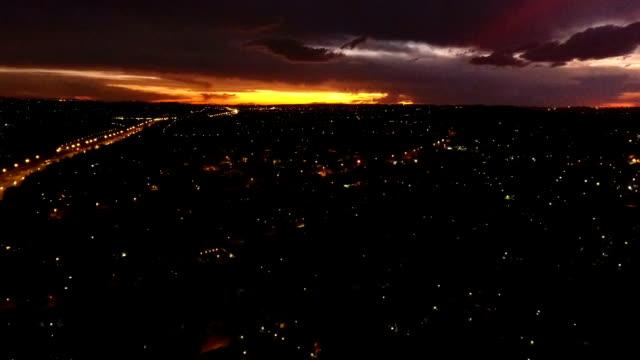 scenic sunsets over suburban johannesburg/ south africa - ハウテング州点の映像素材/bロール