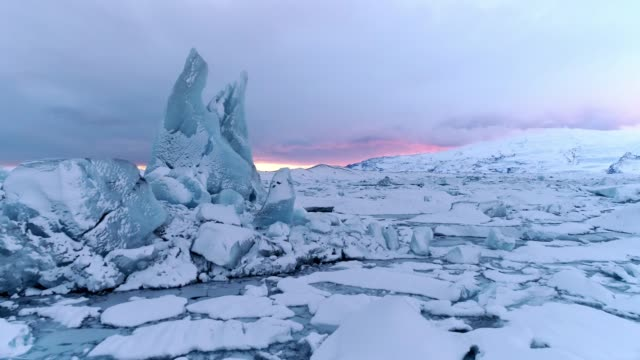 ws scenic view icebergs,jokulsarlon lagoon,iceland - 10 seconds or greater stock videos & royalty-free footage