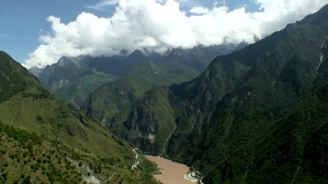WS HA Scenic with ravine with lush foliage and river, Tiger Leaping Gorge, China