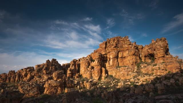 vídeos y material grabado en eventos de stock de t/l scenics of sandstone rock formations in truitjieskraal nature reserve, cederberg, south africa - the nature conservancy