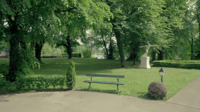 schloss leopoldskron garden statue - kunst stock videos & royalty-free footage
