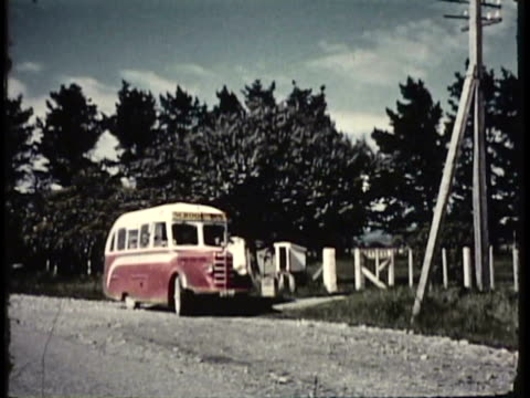 1955 WS PAN School bus dropping children off at rural school / New Zealand / AUDIO