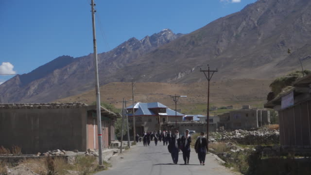 school children in ladakh - jammu e kashmir video stock e b–roll