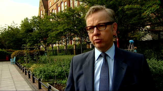 vídeos de stock, filmes e b-roll de head teachers urged to ban packed lunches michael gove mp interview sot - packed lunch