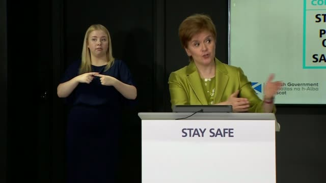 school pupils in scotland experience mixed results, with appeals likely after downgrades based on school reputation; scotland: edinburgh: int nicola... - früherer stock-videos und b-roll-filmmaterial