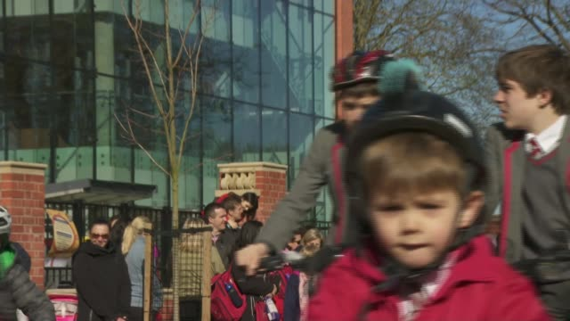schools trial closing adjacent roads to protect pupils from air pollution england london richmonduponthames twickenham st richard reynolds catholic... - richmond upon thames stock-videos und b-roll-filmmaterial