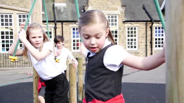 校庭練習 - 障害物コース点の映像素材/bロール