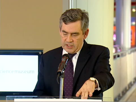 gordon brown opens new interactive launchpad gallery; gordon brown mp speech sot - excited to be here, to see what is happening in this great place /... - ジョージ バーナード ショー点の映像素材/bロール