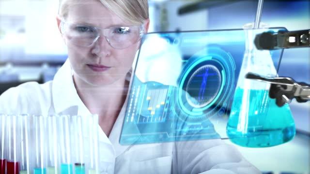 Wissenschaftler Arbeiten im Labor.
