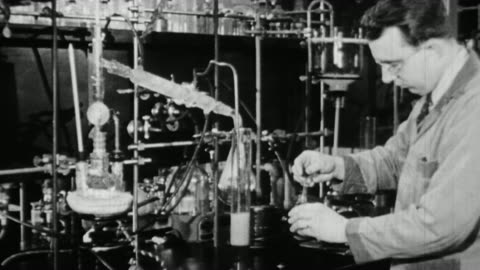 ms scientists working in lab and performing experiments / united states - wissenschaft stock-videos und b-roll-filmmaterial