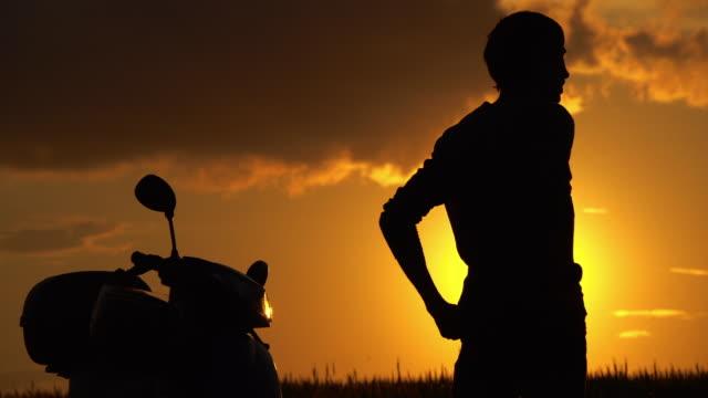 Scooter al tramonto