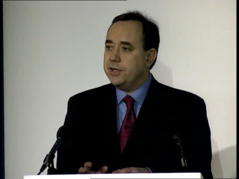 scotland election debate; itn scotland: edinburgh: university of edinburgh: int i/c alex salmond speaking in debate sot - snp will set out... - reform stock-videos und b-roll-filmmaterial