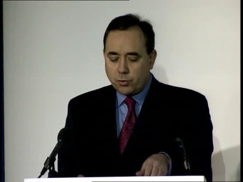 scotland election debate; itn scotland: edinburgh: university of edinburgh: int alex salmond speaking in debate sot - snp will set out constructive... - reform stock-videos und b-roll-filmmaterial