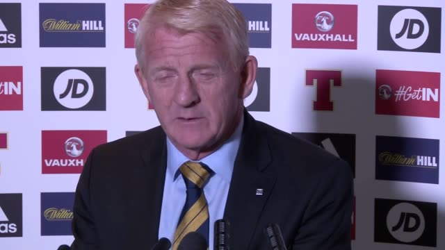 scotland manager gordon strachan gives a press conference to announce his scotland squad for next month's crucial world cup qualifying double header... - ゴードン ストラハン点の映像素材/bロール