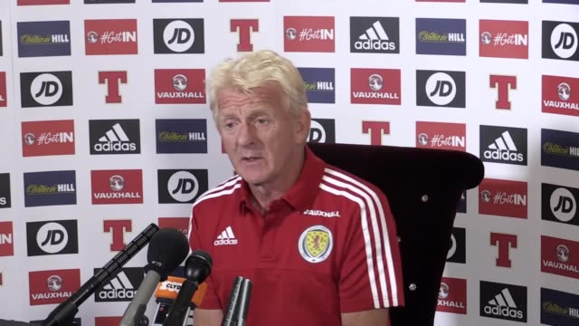 scotland manager gordon strachan speaks ahead of match against lithuania includes interview with strachan and training footage - ゴードン ストラハン点の映像素材/bロール