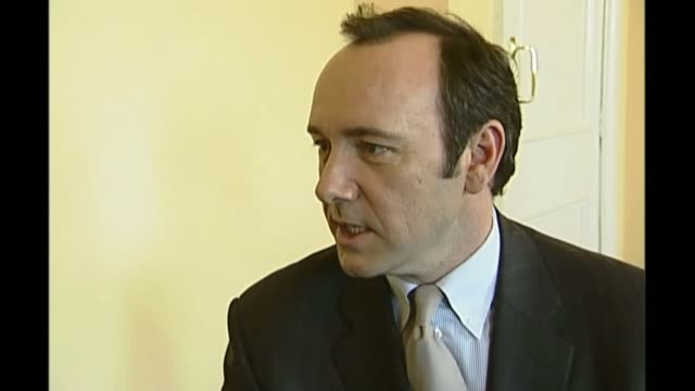 Scotland Yard investigates Spacey allegations R05020308 / The Old Vic Theatre INT Kevin Spacey interview SOT