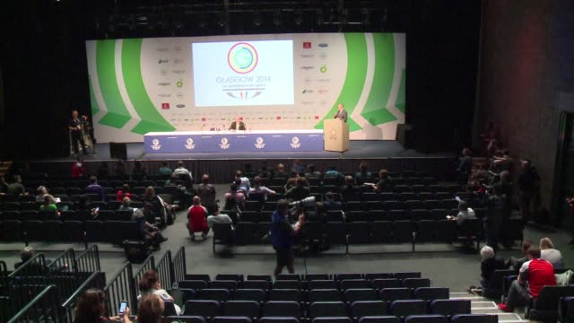 Scotlands first minister Alex Salmond Tuesday launched the 20th Commonwealth Games and vowed to abstain from talking about the September 18 vote on...
