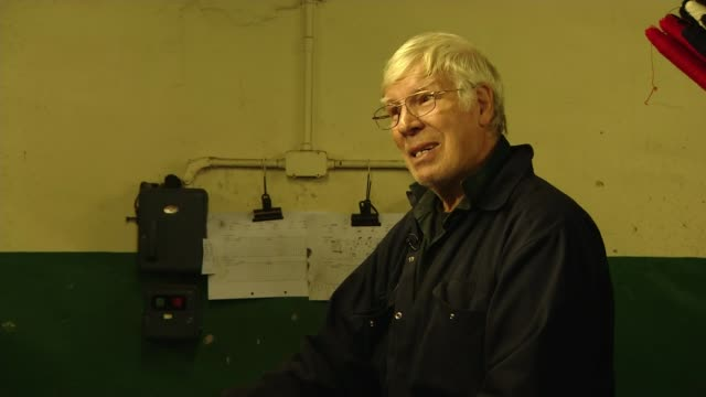 scotland's oldest tartan weaver hoping to keep traditional methods alive scotland selkirk ext gv mill rob beaton showing reporter old looms and... - weaving stock videos & royalty-free footage