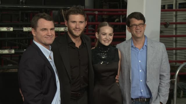 stockvideo's en b-roll-footage met scott eastwood britt robertson marty bowen and wyck godfrey at the longest ride los angeles premiere at tcl chinese theatre on april 06 2015 in... - zwarte jurk
