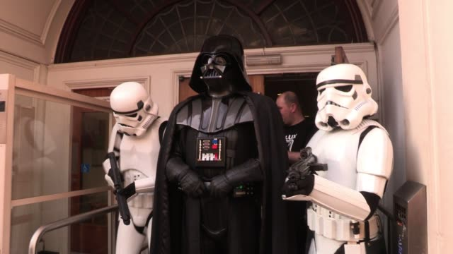 vidéos et rushes de scott mills sighted at bbc studios with darth vader stormtroopers to help celebrate radio one dj chris moyles' birthday sighted scott mills at bbc... - star wars titre d'œuvre