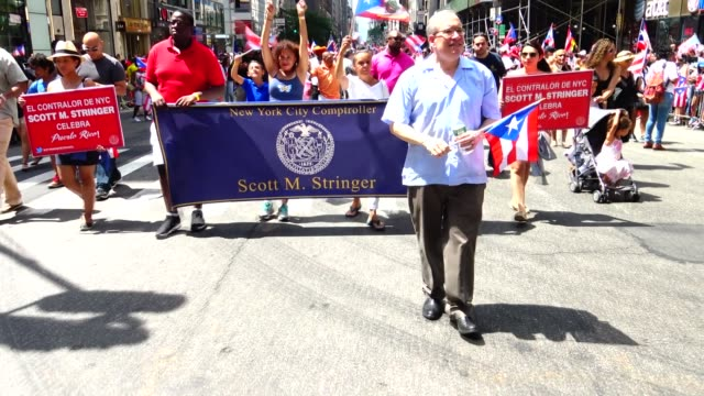scott stringer greets crowd during annual puerto rican day parade on 5th avenue manhattan new york city usa / stringer is the 44th and current new... - puerto rican ethnicity stock videos & royalty-free footage