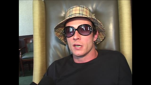 vidéos et rushes de scott weiland on trying to stay sober - tentation