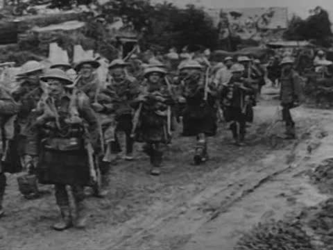 scottish and french troops at verdun - ww1 battle stock videos & royalty-free footage