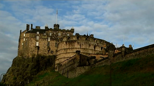 new westminster pledge for more powers scotland edinburgh ext reporter up steps in edniburgh old town with professor ewen cameron general view of... - edinburgh castle stock videos & royalty-free footage