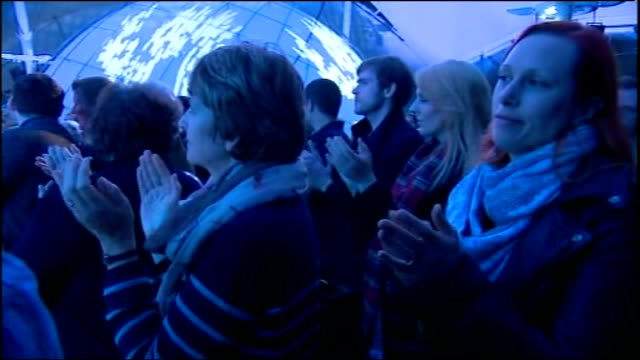 no campaign wins / alex salmond resigns edinburgh our dynamic earth yes supporter looking close to tears as standing with others waiting to hear... - 2014 scottish independence referendum stock videos & royalty-free footage