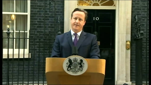 no campaign wins / alex salmond resigns england london downing street ext david cameron mp from number 10 and to podium david cameron mp statement... - lectern stock videos & royalty-free footage