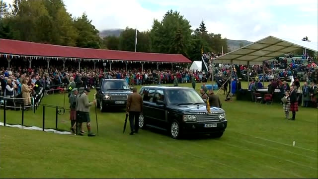 YouGov poll show 'Yes' vote ahead for first time 692014 Aberdeenshire Braemar Queen Elizabeth arrives as Highland Games Queen ELizabeth seated...