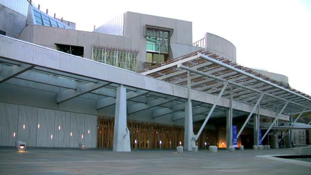 scottish parliament building. - holyrood bildbanksvideor och videomaterial från bakom kulisserna