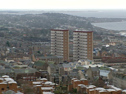 scottish parliament committee recommends publication of sex offenders addresses dundee ext high angle view of city pan - スコットランド ダンディー点の映像素材/bロール