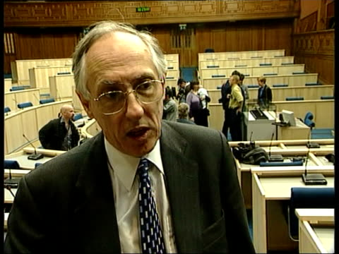 fox hunting bill; donald dewar posing for photocall as presenting medals to babies gv press gathered round dewar donald dewar msp interviewed sot -... - member of the scottish parliament stock videos & royalty-free footage