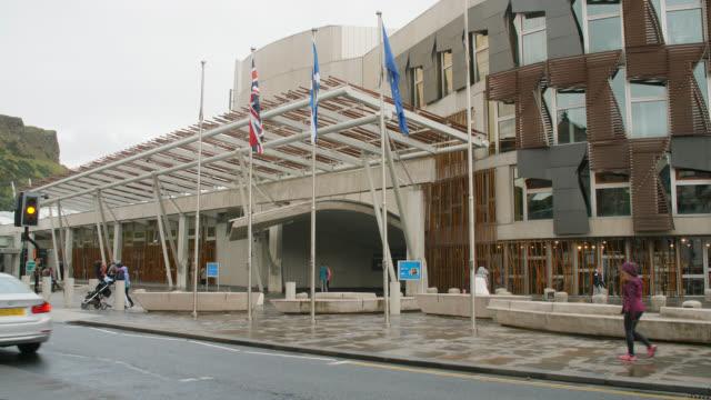 vidéos et rushes de ws scottish parliament in edinburgh - écosse