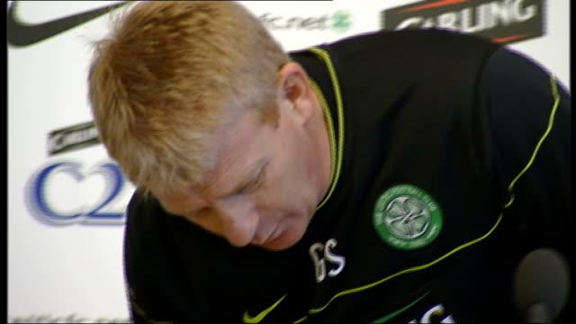 Glasgow Celtic Gordon Strachan arrives at press conference SCOTLAND Glasgow INT Gordon Strachan arrives at press conference